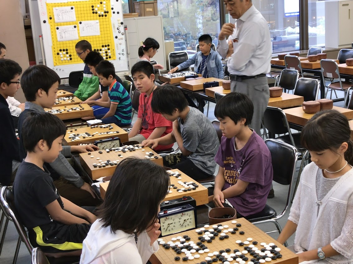 九州子ども囲碁研究会の様子